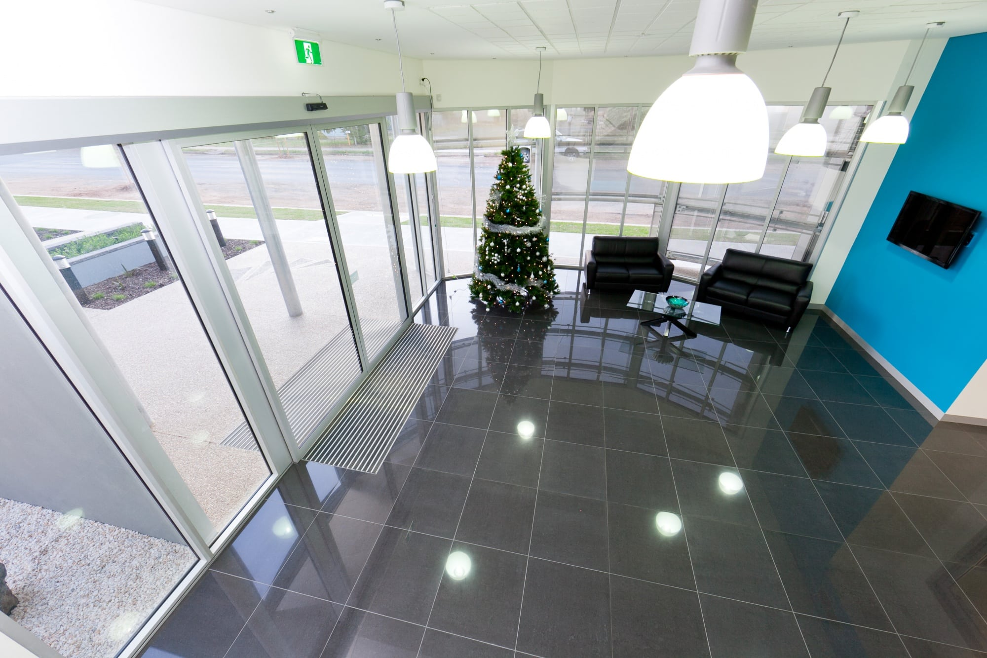 Commercial Street - Reception Area