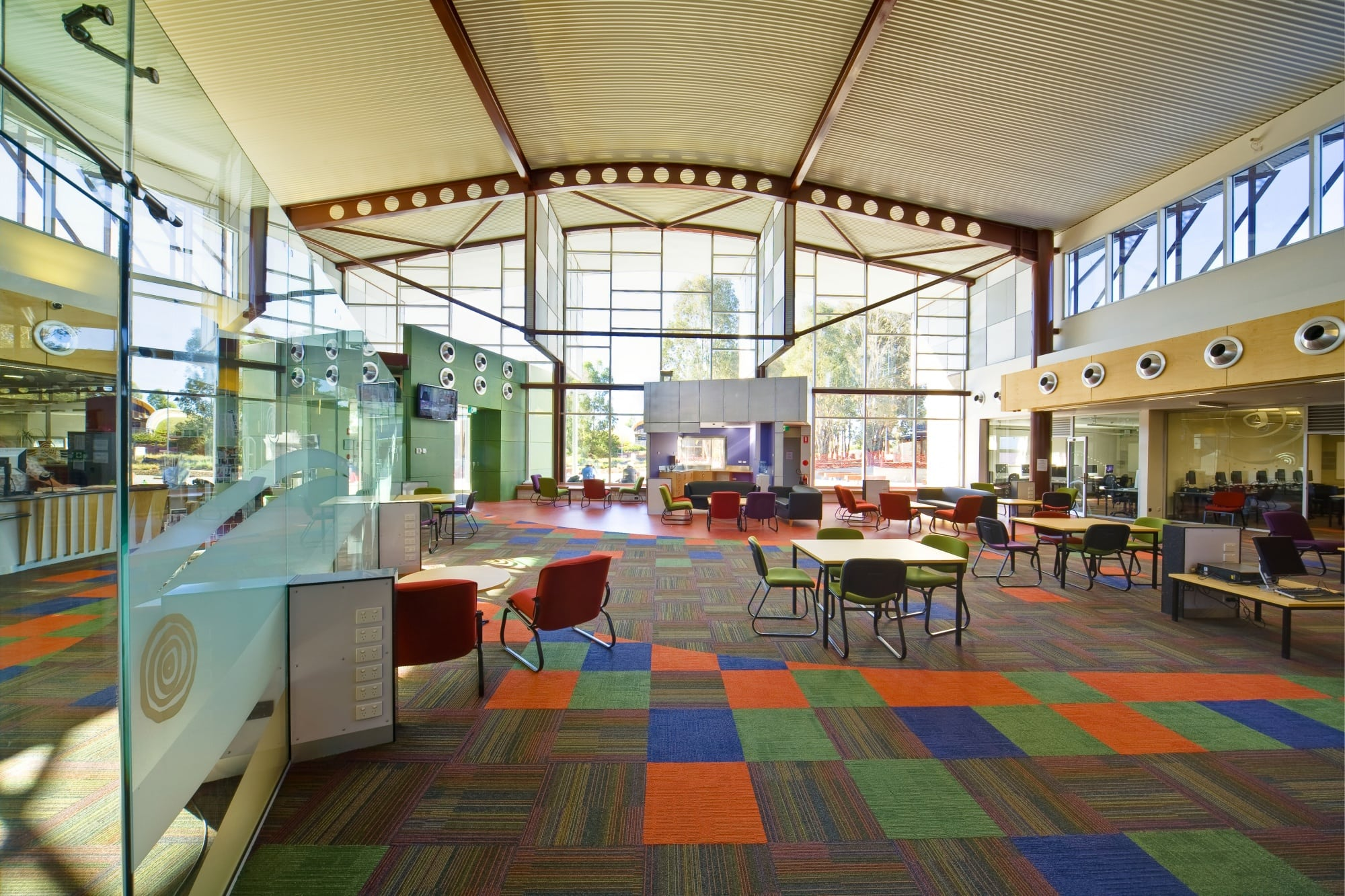 Charles Sturt University - Thurgoona Campus 'Learning Commons Building' - Interal Glazing